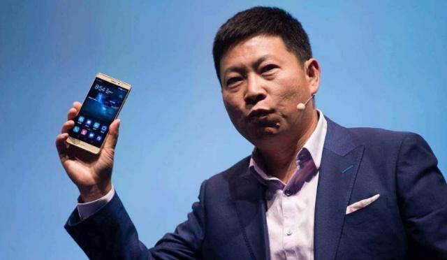 华硕在手机市场遭遇挫折