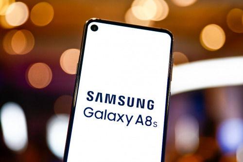 三星首款HID屏手机Galaxy A8s如今正在火热预售中