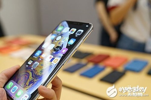 苹果iPhone手机在中国智能手机市场竞争激烈需要从价格方面下手