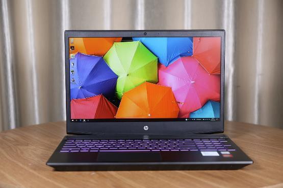 紫色背光键盘+B&O音频解决方案