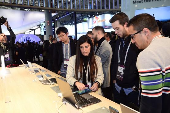 华为第一款14英寸全面屏轻薄性能本HUAWEI MateBook14首次亮相