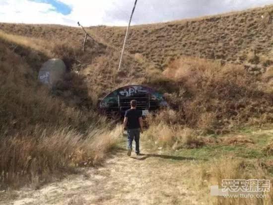 男子荒野发现核弹发射井 进去吓坏探险就到此结束