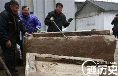 工地挖出700年前神秘木箱震惊世界