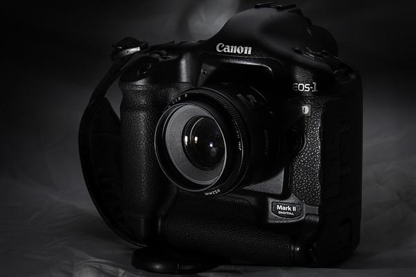 佳能相机正式涨价:7D Mark II及镜头涨400元